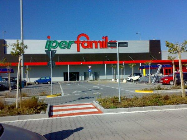 Risultati immagini per Supermercati IperFamila